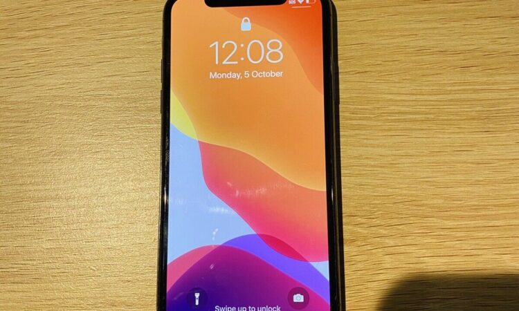 iPhone X 64gb space grey - cracked screen