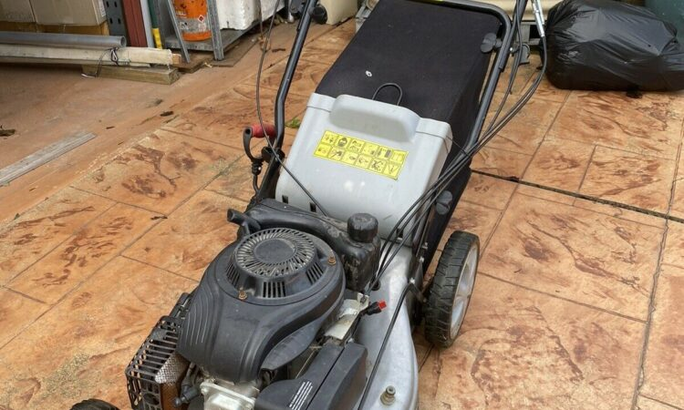 BLACK EAGLE BE-510 X4 SELF PROPELLED 4 STROKE LAWN MOVER