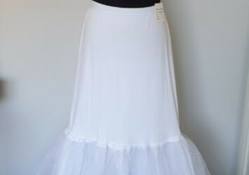 Wedding Dress or Formal Gown Under Skirt - BRAND NEW WITH TAGS - Size M (10-14)